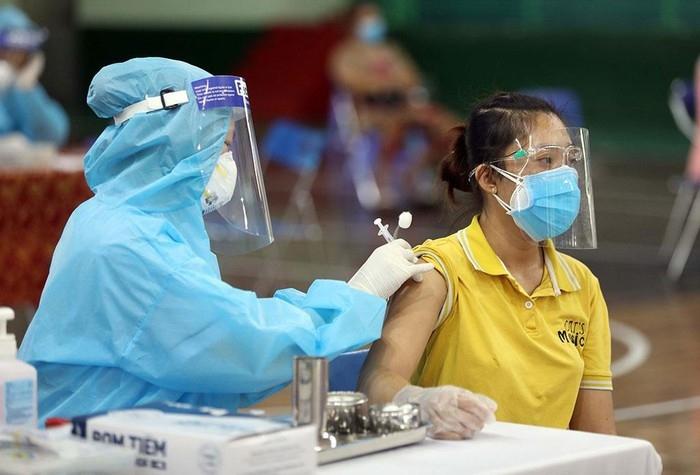 Hình ảnh: Tối 23/9 Việt Nam ghi nhận thêm 9.472 ca nhiễm mới COVID – 19 trong đó TP.HCM có tới 5.052 ca số 1