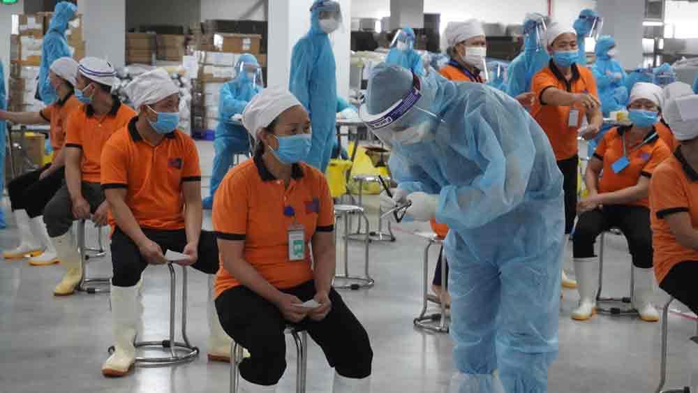 Hình ảnh: Bộ Y tế yêu cầu Khẩn trương ngăn chặn COVID-19 trong các KCN số 1