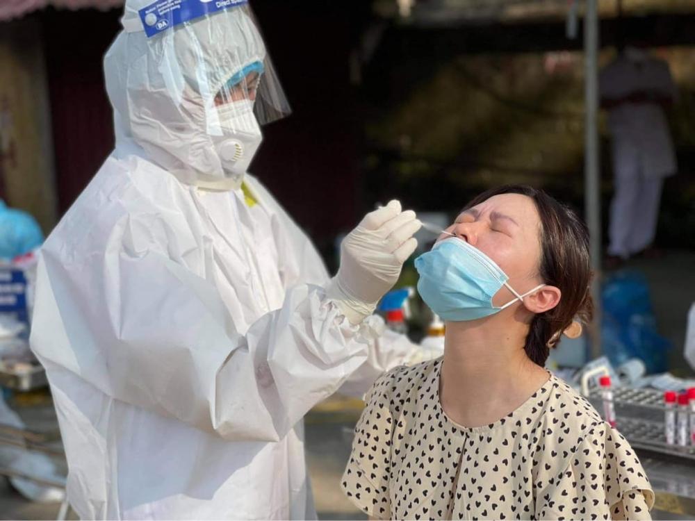 Hình ảnh: Sáng 27/6, Việt Nam ghi nhận 50 ca mắc COVID-19 trong nước, riêng TP Hồ Chí Minh 40 ca số 1