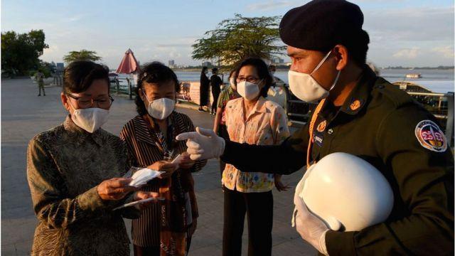 Hình ảnh: Việt Nam ghi nhận tối 29/3 có 3 ca dương tính SARS-CoV-2, riêng các quốc gia Đông Nam Á(ASEAN) ghi nhận 103 ca tử vong và 15.059 ca nhiễm mới COVID-19. số 4
