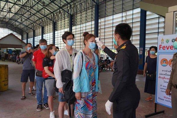 Hình ảnh: Việt Nam ghi nhận tối 29/3 có 3 ca dương tính SARS-CoV-2, riêng các quốc gia Đông Nam Á(ASEAN) ghi nhận 103 ca tử vong và 15.059 ca nhiễm mới COVID-19. số 3