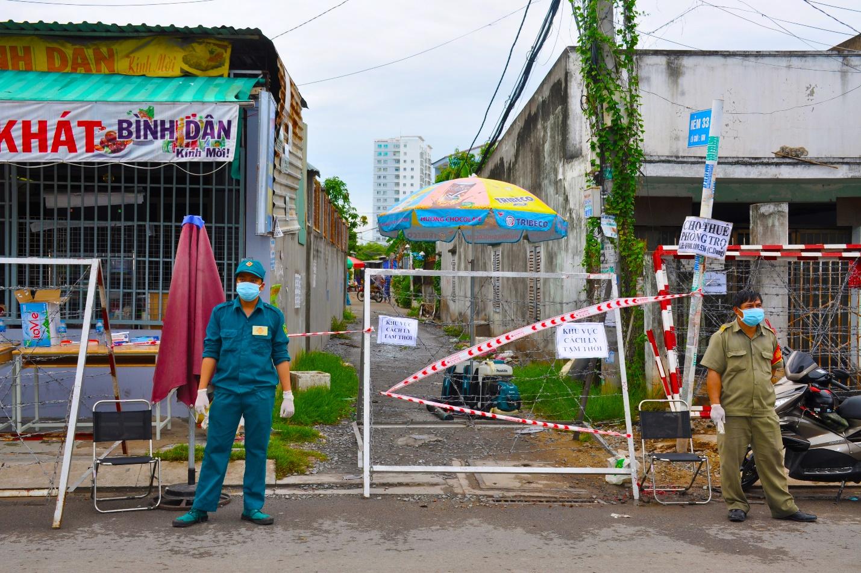 Hình ảnh: TP.HCM: Thị trấn Nhà Bè khẩn trương truy vết ca nghi nhiễm COVID - 19 số 2