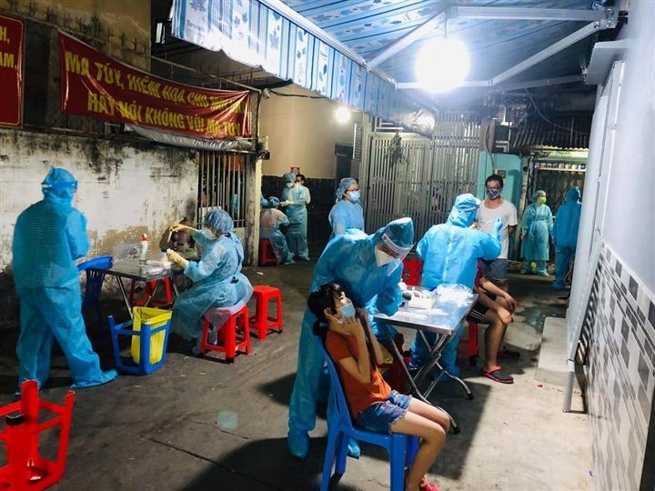 Hình ảnh: Sáng 29/7, tại TP. Hồ Chí Minh ghi nhận thêm 1.715 ca mắc mới COVID – 19 số 1