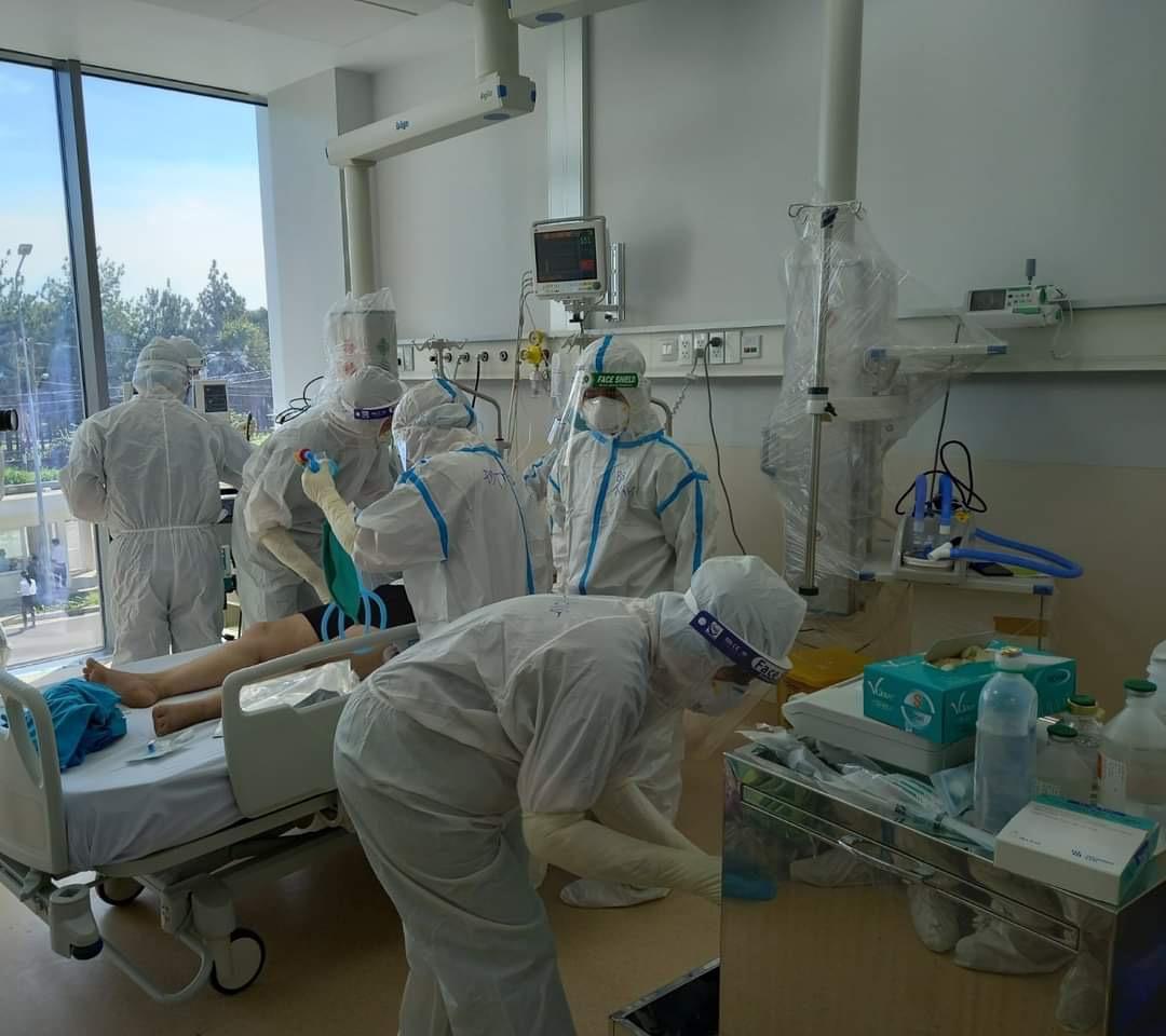Hình ảnh: Sáng 5/8 Việt Nam ghi nhận thêm 3.943 ca nhiễm mới COVID – 19, trong đó TP.HCM có 2.349 ca số 1