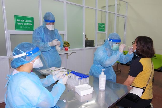Hình ảnh: Tối 22/7, Việt Nam ghi nhận thêm 3.227 ca mắc mới COVID-19, trong đó TP.HCM có 1.785 ca số 3