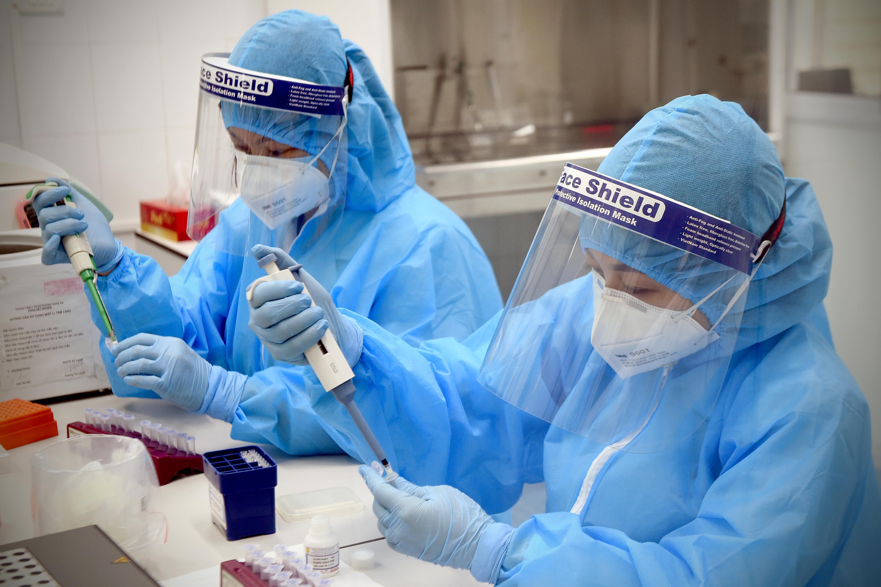 Hình ảnh: Tối 14/10 Việt Nam ghi nhận 3.092 ca nhiễm mới COVID - 19 số 2