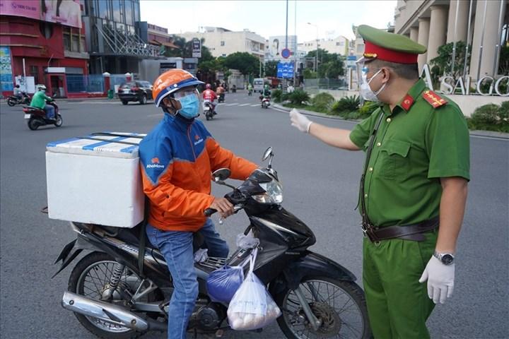 Hình ảnh: TP.HCM: Từ ngày 30/8, shipper được hoạt động trở lại trong nội quận số 1