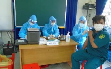 TPHCM: Quận 8 tổ chức tiêm chủng vắc xin phòng COVID-19 cho người dân trên địa bàn quận